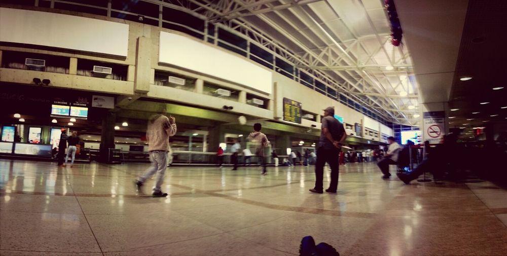 y aqui sigo esperando...... Airport Enjoying Life Starting A Trip