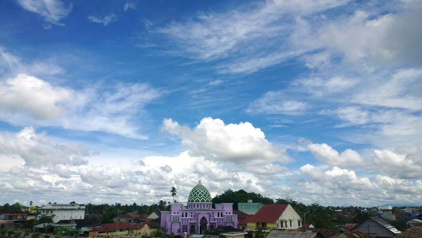 Cloud - Sky Roof Day Sky Architecture Outdoors Multi Colored Built Structure No People City INDONESIA Indonesia_photography Indonesian Street (Mobile) Photographie Sky And Clouds Mosque