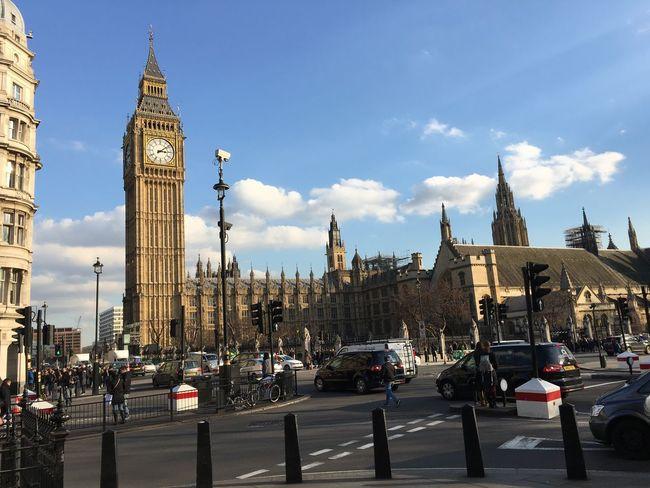 London 24-02-16