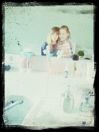 Meine Beste Freundin❤ Meine *-*  Love ♥ Freunde ♥ alles was ich sagen will ich ist schatziilein ich hab dich so lieb:)<3