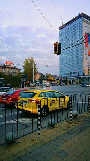 Mode Of Transport Transportation Cloud - Sky Day Outdoors Sky City Urban View Bulgarian Nature Colorful Multi Colored Tree Taxi TAXİ🚕 Cars Urban Transportation Urban Traffic Urban Traveler Traffic Lights Road Urban Photography Red Light Sky And City