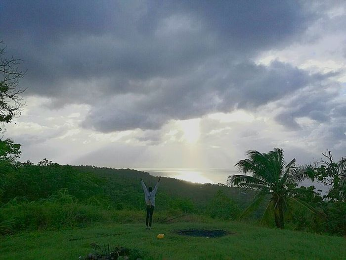 Wonderful Sun 🌞One Person Outdoors Full Length Nature Beauty In Nature Adults Only Tree Storm Cloud Adventure One Woman Only Golf Course Thunderstorm Landscape Golf People Women Photography EyEmNewHere Tranquility Tree Beauty In Nature Needle - Plant Part Sky EyeEmBestPics EyeEm Nature Lover