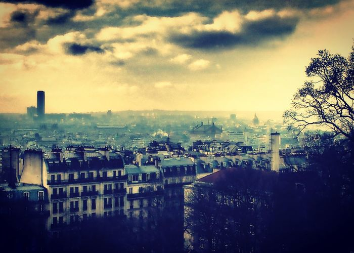 Montmartre, Paris Paris ❤ Skyline Clouds And Sky Cloud Cityscape
