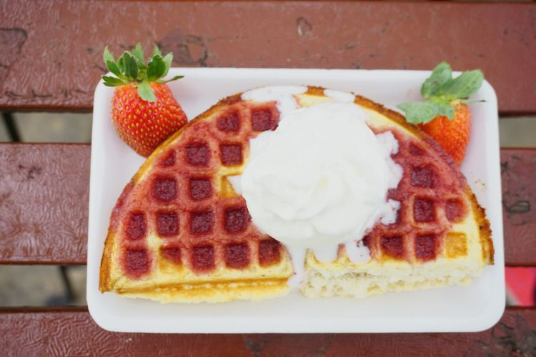 strawberry pie on white plate DeliciousFood  Restaurant Cafe Time Cakes Pan Cake Ice Cream Sweet Food Healthy Lifestyle DeliciousFood  EyeEm Selects Indoors  SLICE Plate Ready-to-eat Freshness Close-up Tart - Dessert Day
