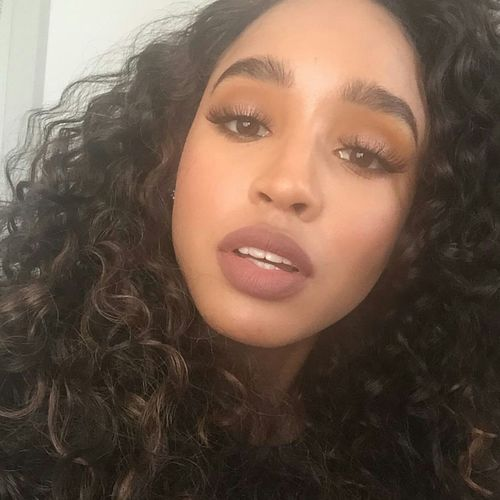 Aesthetics Model Gorgeous Fashion Photography Longeyelashes Eyebrows On Fleek Makeup Selfie✌ Selfie ✌ Long Hair Longhair Hairgoals Natural Hair Curly Hair