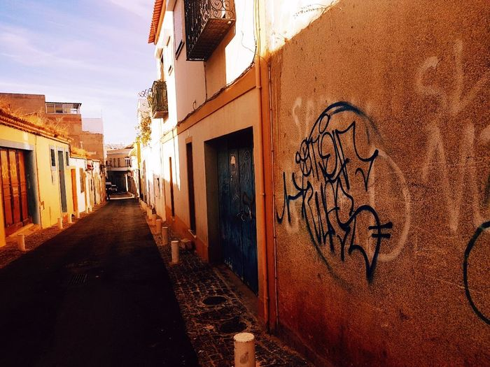 Cityscape Photography Walking Around The City  Capture Moments Portugalstreetphoto Shaddow And Light Algave Coloursplash Shadow Photography Complimentary Colors Contrasting Light Illusion Photography Contrast Of Shadows Contrast And Lights Architecture Photography Abandoned Weathered Light Reflection Light And Dark Streetshots. Streetsofportugal Portugal Artphotography Coloursplash Algarve, Portugal Natural Photography