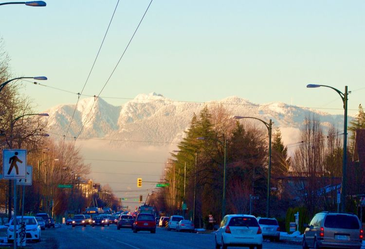 12 Days Of EyeEm Mountain view of North Vancouver,BC Vancouver, Canada Mountains Streetphotography Cold Temperature Fresh Snow Random