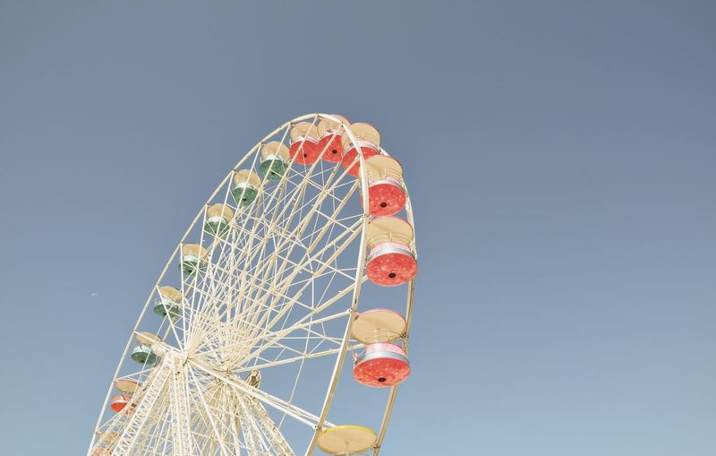 Ferris Wheel Grande Roue EyeEm Selects Amusement Park Ferris Wheel Circle Clear Sky Fun Multi Colored