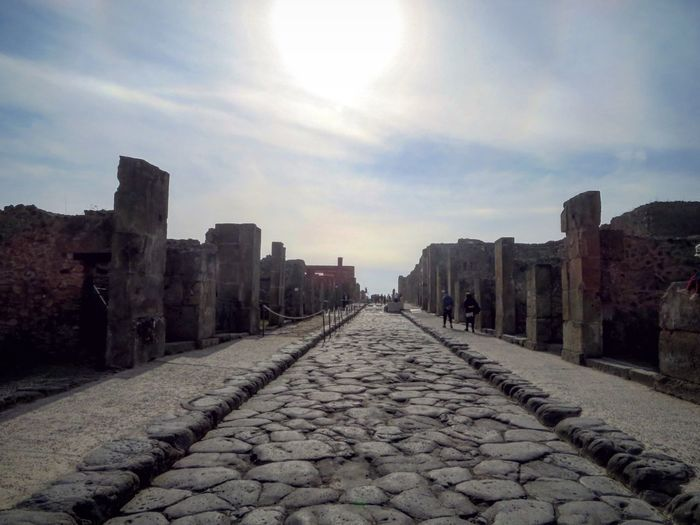 Pompei ruins (NA, Italy) Architecture Outdoors Italy Campania Ruins_photography Ruins Archaeology Pompeii Ruins Pompéi Cultural History Cultural Tourism Ancient Architecture Ancient Roman Ruins Historical Place Italia Historical Monuments Ancient Civilization Architecture Pompeiruins Old Ruin History Tourism Archaeological Sites Roman City The Architect - 2017 EyeEm Awards