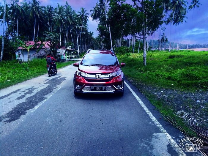 Honda BR-V Car Passion Red Pearl Beauty In Nature