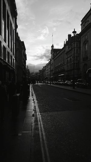 Check This Out London Oxfordstreet Hello World Enjoying Life Mobile Photography From My Point Of View Outgoing Streetphotography Black And White