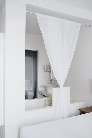 Absence Architecture Bed Bedroom Ceiling Comfortable Curtain Domestic Bathroom Domestic Life Domestic Room Furniture Home Home Interior Home Showcase Interior Indoors  Luxury Modern No People Pillow Wealth White Color