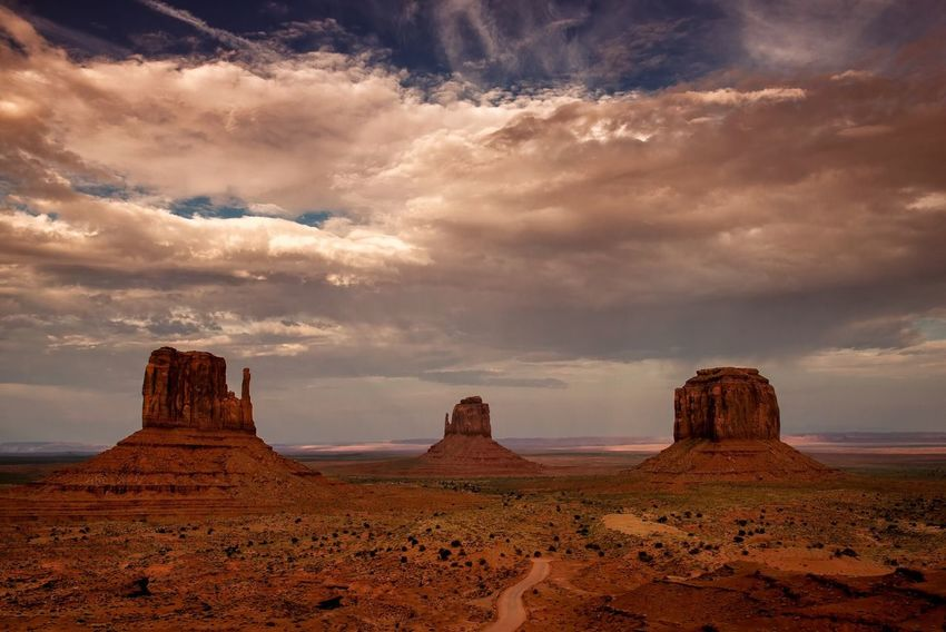 Rock Formation Landscape Geology Sky Cloud - Sky Nature Tranquility Rock - Object Beauty In Nature Tranquil Scene Desert No People Arid Climate Scenics Physical Geography Travel Destinations Outdoors Sunset_collection Buttes Monument Valley Utah Arizona Sunset