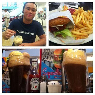 Johnny rockets for lunch???Instapicframes Milkshakes Burgers Fries yummy fashionshow mall lasvegas boyfriend cutiepie mine filipina filipino @_mikkiiyama