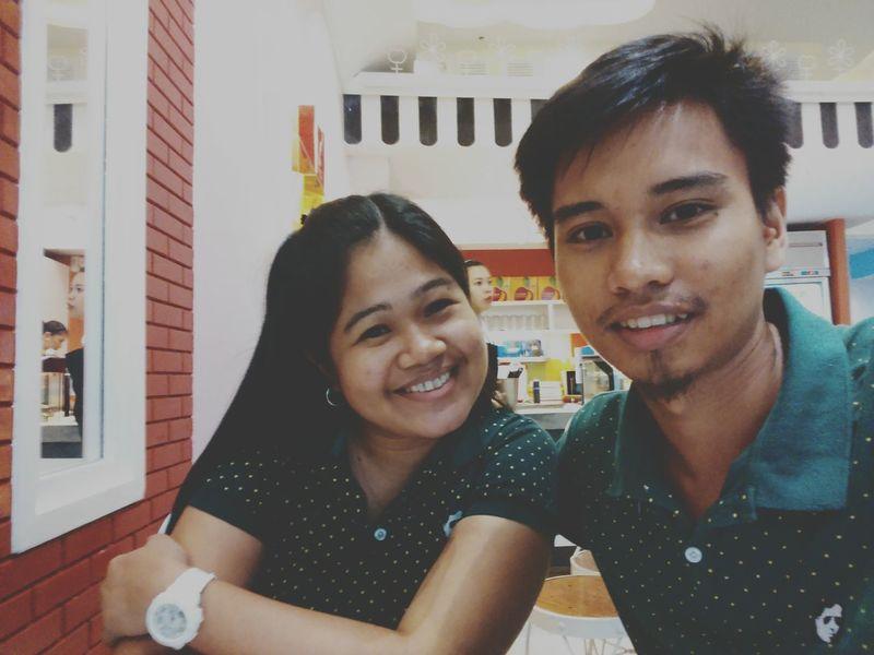Rainy date💗💗💗 Banapple Happy Couple Wife Husband Happymarriage Sweet