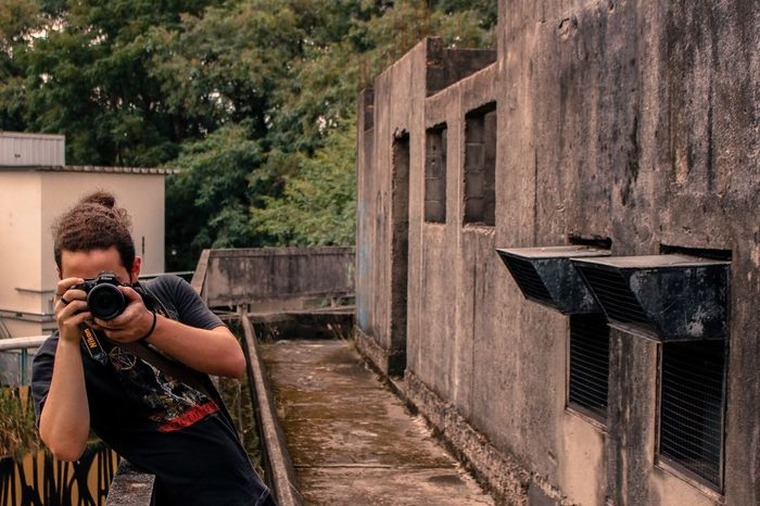 Human Representation Sunlight Nikon D5200 Canon T5i 18-105mm Abandoned Buildings Shooting Day Me Photography Urban One Person Brazil People Urban Art Urban Photography Street Photography