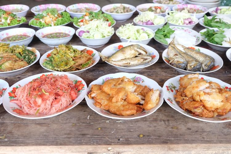 Thai food, put