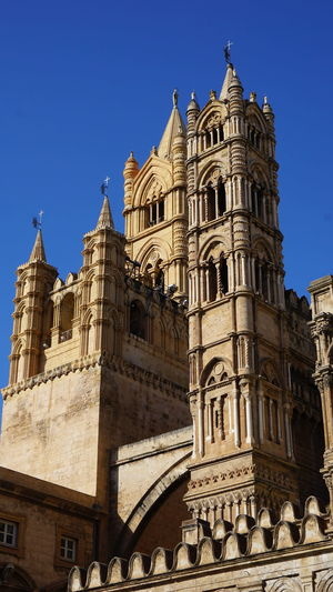 Towers. Cathedral of Palermo. Palermo, Sicily, Italy. Sony Sonyalpha Sony A6000 Photographer Photo Photography EyeEm Selects EyeEm Best Shots Italy Sicily Palermo Palermo Cathedral Cathedral Palermo Shadow Light And Shadow Archs Windows City History Religion Clear Sky Sky Architecture Building Exterior Gothic Style Tower Bell Tower - Tower Tall - High Cathedral Tall