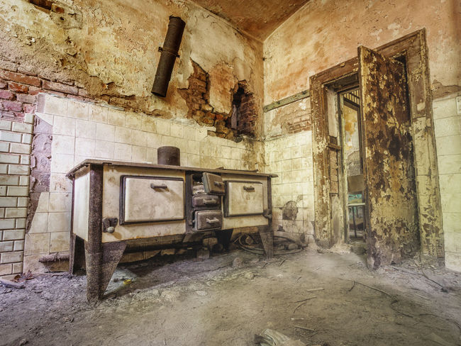 Abandoned Architecture Cooker Damaged Gefängnis Herd Indoors  Kitchen Lost Places Thüringen No People Ofen Old Old Ruin Prison Run-down Stove
