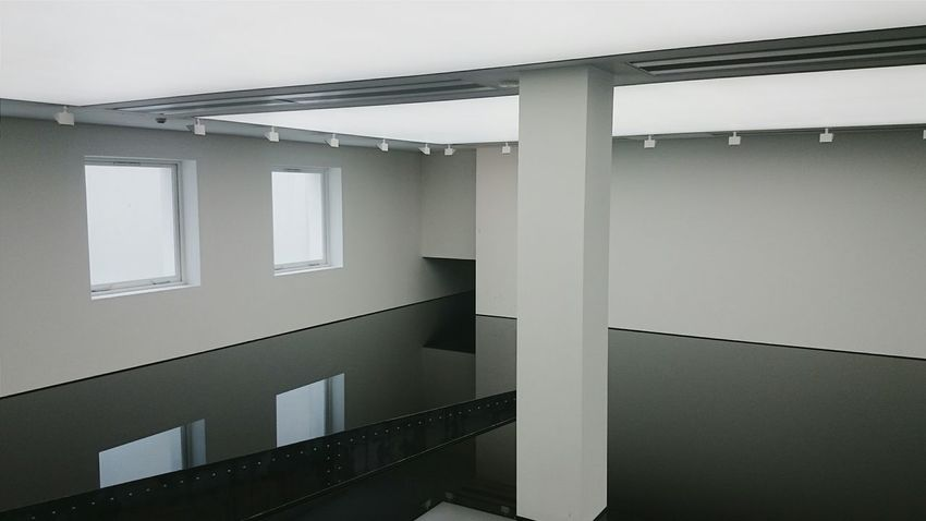 Throwback to one of the cooles places I have ever been to. London Saatchi Gallery Art Oil