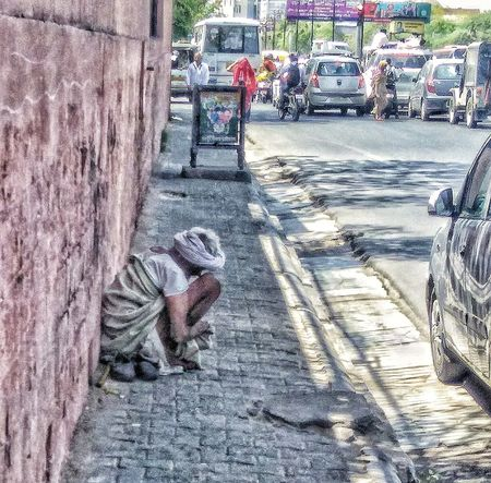 A life of a beggar ... Day Outdoors Real People Beggar Beggarscantbechoosers Beggarman Old Roadside Earning Storytelling Story Behind The Picture Transportation roadsidephotography People Photography The Street Photographer - 2017 EyeEm Awards