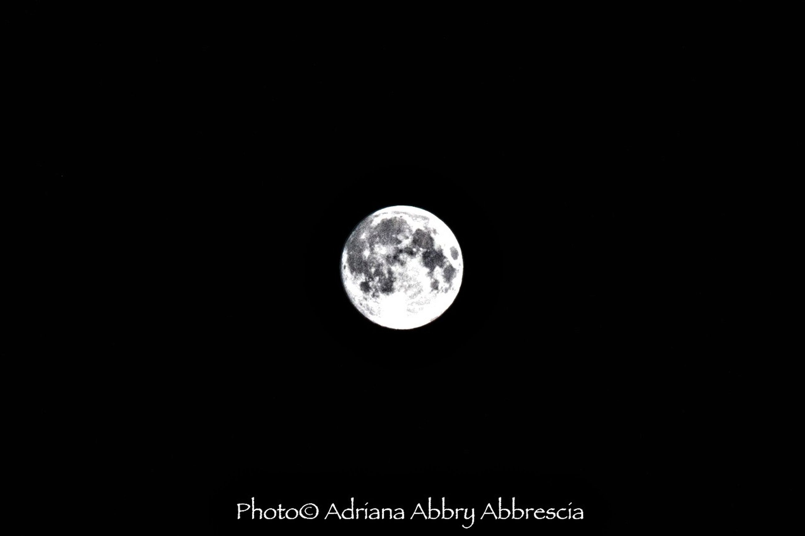 moon, circle, astronomy, night, full moon, planetary moon, moon surface, copy space, low angle view, sphere, space exploration, discovery, dark, beauty in nature, scenics, sky, tranquil scene, clear sky, nature, tranquility