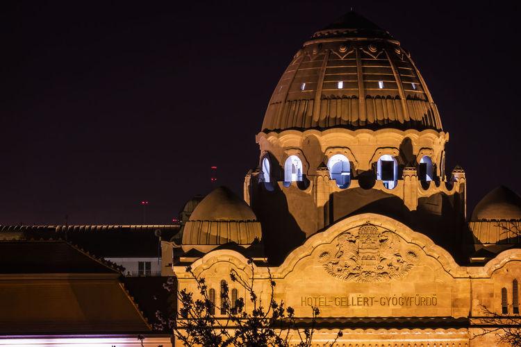 Illuminated hotel gellert at night