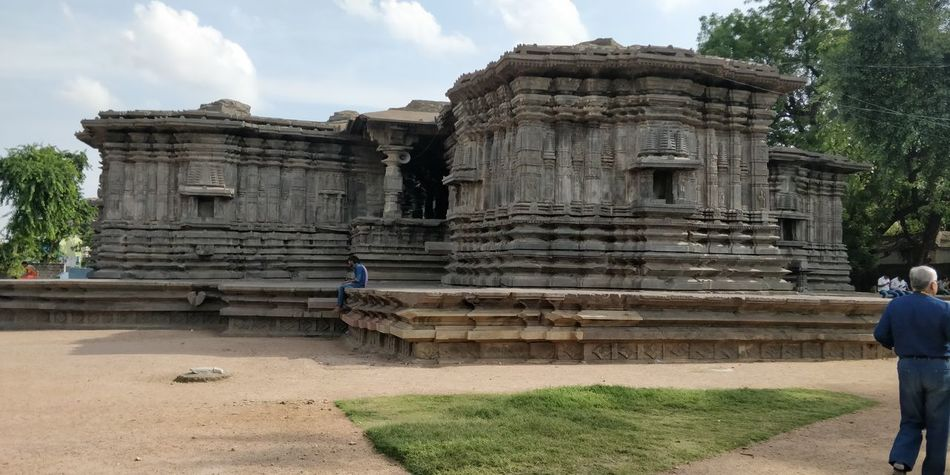 1000 pillar temple.. the amazing architecture Ancient Civilization Place Of Worship Old Ruin Ancient Spirituality Religion City History Archaeology Architecture