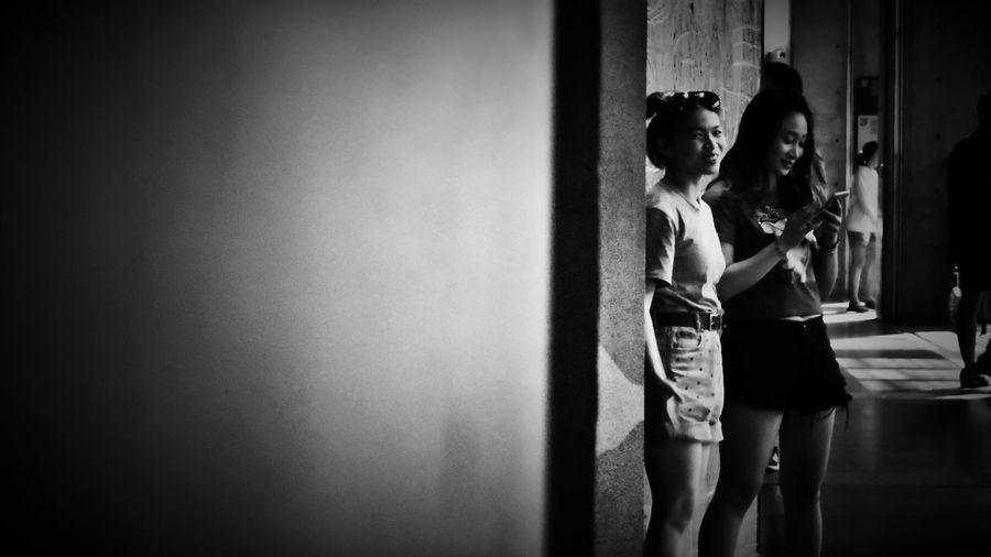 2018/7/29 速寫朋友 於鶯歌陶瓷博物館 Friendship Friend Taiwan Museum Bw_lover BW_photography B&w Photo B&w Bw Photography B&w Photography Bwphotography Women Standing Depression - Sadness Holiday Moments EyeEmNewHere