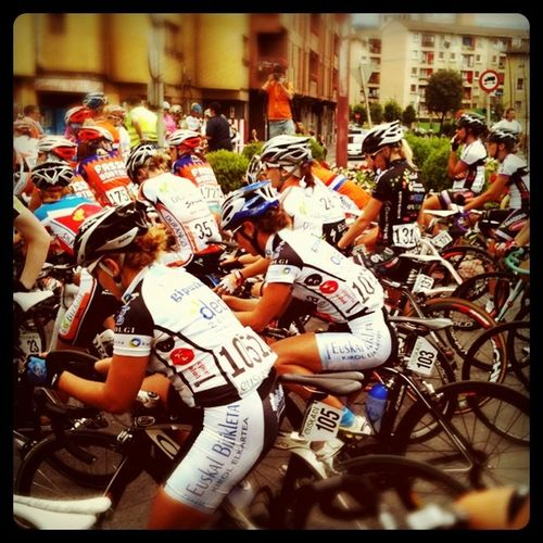 Lined up for Emakumeen Bira, Stage 1, Durango, Spain Sports Cycling Bike Bicycle SPAIN Fozdog_cyclechallenge