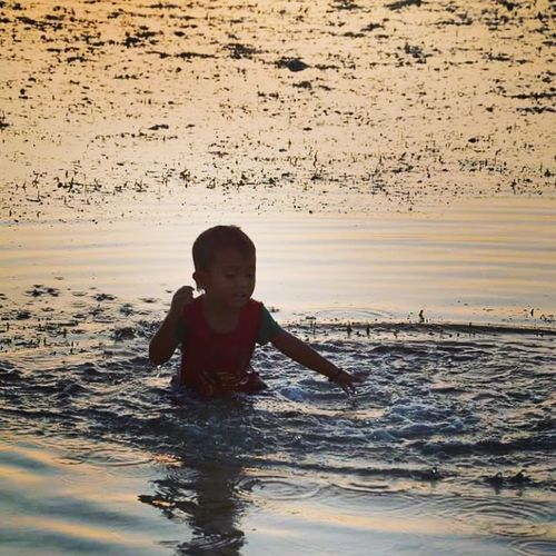 Child Water Childhood Smiling Boys Happiness Splashing Outdoors Kid Childrenplaying Playinginthewater Playingonthebeach Gili Trawangan Gili Islands Reflection INDONESIA Indonesia_photography