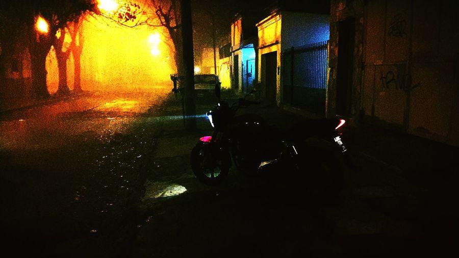 Keeway Benelli Taking Photos Nochesdefotografia Noche Neblina Hello World