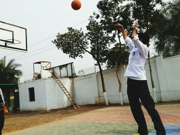 Basketball Jumping One Person Sportsman Basketball - Sport Basketball Hoop Sport Goodangle Likesforsports Taking A Shot - Sport Throwing