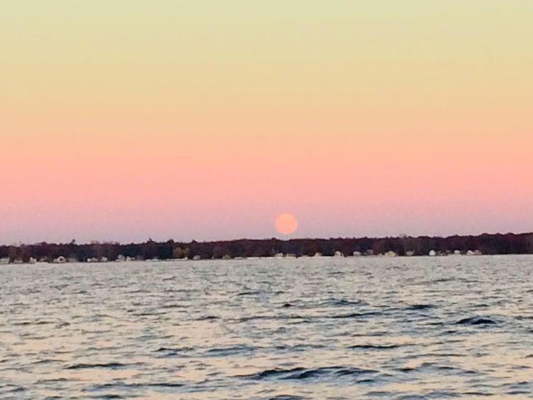 Moon Full Moon Super Moon Super Moon 2016 Shoreline Shore Lake Water Moonrise Pretty Rainbow Colors No Clouds