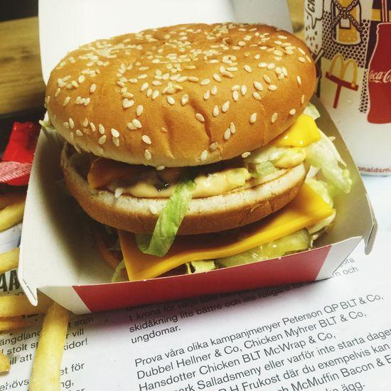 Macdonalds Bigmac,McDonald's Delicious Food CheeseBurger Hungry Enjoying Life