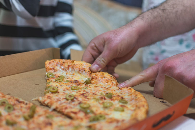Pizza Time Pizzalover SLICE Close-up Day Food Food And Drink Food Stories Hand Indoors  Pizza Pizza🍕 Ready-to-eat