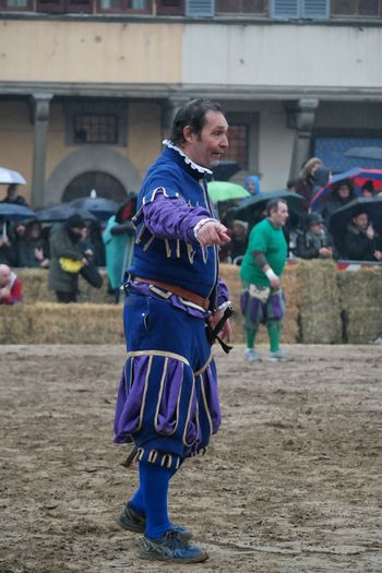 calcio storico Referee the best city in the world Firenze italy Florence Italy color Colors medieval instructions Guiding Leader festival Festival Season Calcio Storico Referee The Best City In The World Firenze Italy Florence Italy Color Colors Medieval Instructions Guiding Leader Festival Traditional Clothing Full Length Arts Culture And Entertainment Cultures Adult Adults Only Only Women One Person Performance Real People Day One Woman Only Period Costume Outdoors Celebration People