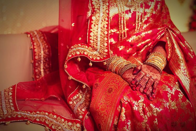 Dressed up for wedding Wedding Day Wedding Saree Henna Gold Jewelleries