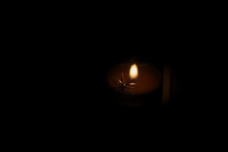 Star Shape Candle Candlelight Glass Reflection EyeEmNewHere Black Background Illuminated Close-up Darkroom Flame The Creative - 2018 EyeEm Awards The Still Life Photographer - 2018 EyeEm Awards