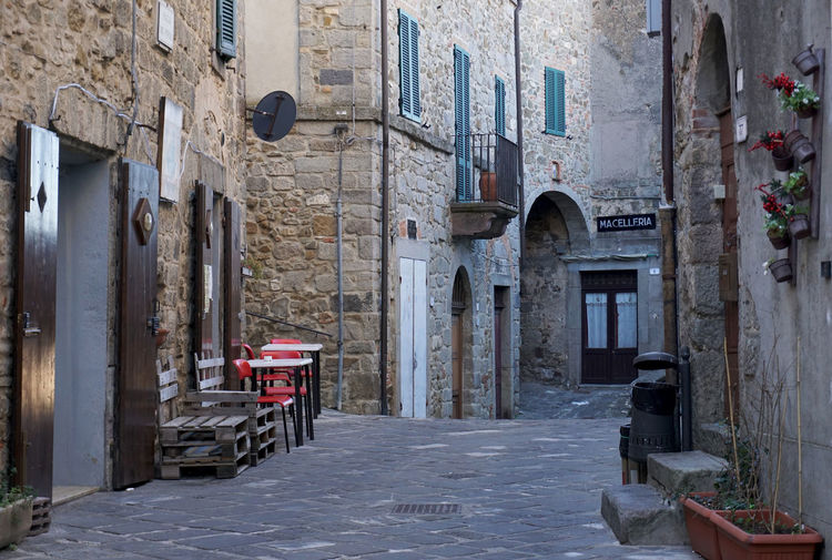 old building in Montelaterone, Italy Built Structure Building Exterior Architecture Building No People Day Old Outdoors Medieval Montelaterone Tuscany Italy Empty Residential District Stones Alley