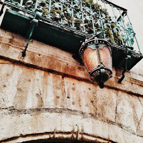 Lviv. Details✨🌿 Lviv львов львів Lvivblog Interestingplaces Lviving Lvivgram Lvivforyou архитектура Architecture Lvivarchitecture Details Детали деталі Bestshot Vcsocam Lvivdetails Ualviv Light Lighting Streetlamp Streetlight Oldhouse Travelbook Misto_leva balcony балкон printl_net