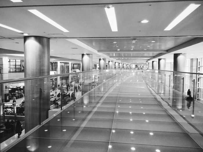 Endless hallway in incheon airport Reflection Incheon Airport Airport Hallway Architecture Korea