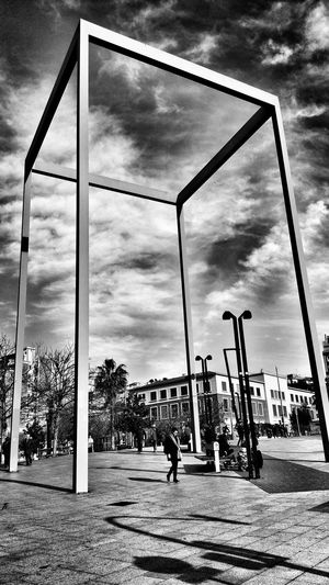 Architecture Sky Cloud - Sky Outdoors Bnw_collection Barcelona Streets Barcelona_blackandwhite Barcelona Streetphotography Bnw_pattern Bnw_of_our_world Bnw_architecturelines Barcelonainspira Bnw_snapshots Architectural Feature Architecture Street Architecture Walking Around Barcelona Day