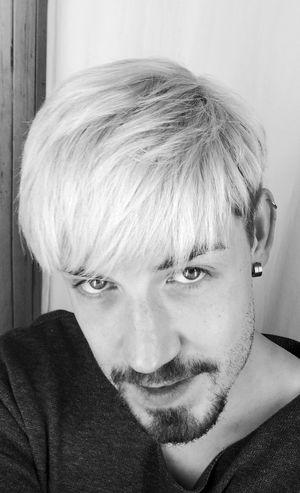 Grey Hair Menstyle Men Blondehairdontcare Blonde Hair Dont Care Silverhair Olaplex Man Haircut Haircolor Hairdresser Hairdressing Hairdresserlife ILoveMyJob Dachau AlexanderHauser Celebrity The Portraitist - 2017 EyeEm Awards