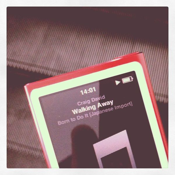 Nowplaying CraigDavid WalkingAway Apple iPod nano theRedproduct