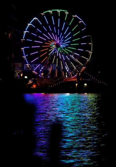 Riesenrad im Stadthafen Night Photography City Harbor EyeEm Gallery Ferris Wheel Licht Light Nacht Nachtfotografie Night Reflection Reflektion Riesenrad Stadthafen Rostock Wasser Water