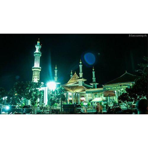 Masjid Raya At-Taqwa dimalam hari 😊 Cirebon  Cirebonjepret Cirebonmosque Canon Eos600d