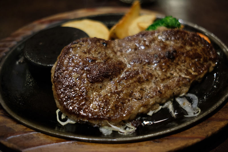 Hamburger Steak Japan Japan Photography Meat! Meat! Meat! Beef Close-up Food Food And Drink Freshness Grilled Hamburg Steak Healthy Eating Indoors  Meat Ready-to-eat Steak Table あさくま ハンバーグ 学生ハンバーグ
