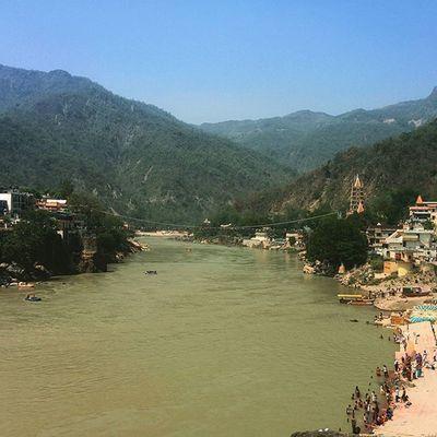 Holy river ganga... Travel Traveldiaries Rishikeshdiaries LaxmanJhula Amazingindia Nature