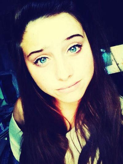 tu dis que mes yeux sont l'océan, et moi je me suis noyé dans les tiens ... <3